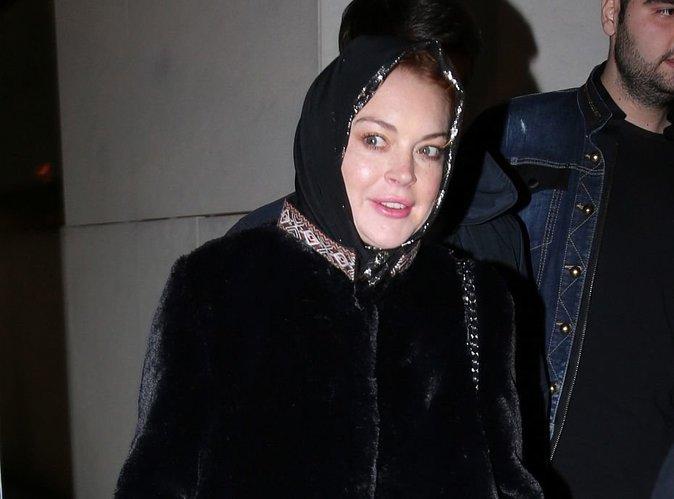 Lindsay Lohan : Elle pose en burkini sur la plage en Thaïlande