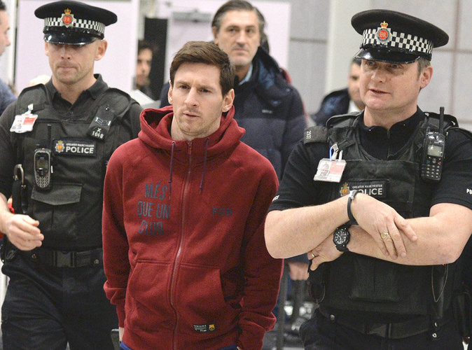 Lionel Messi envoie un policier… en prison !