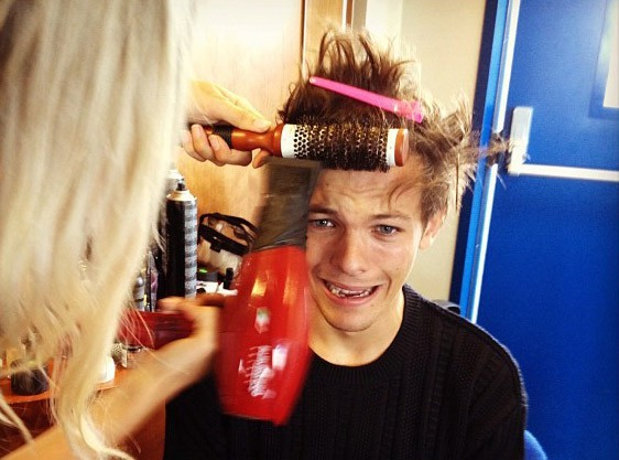 Louis Tomlinson : on a le secret de sa coiffure parfaite !