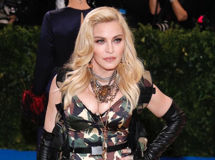 Madonna empêche la vente de ses petites culottes et de sa lettre d'amour de Tupac
