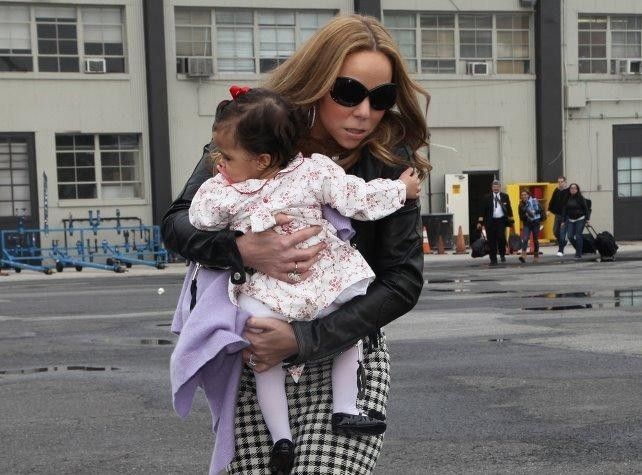 Mariah Carey : elle se la joue Victoria Beckham avec son adorable princesse dans les bras !