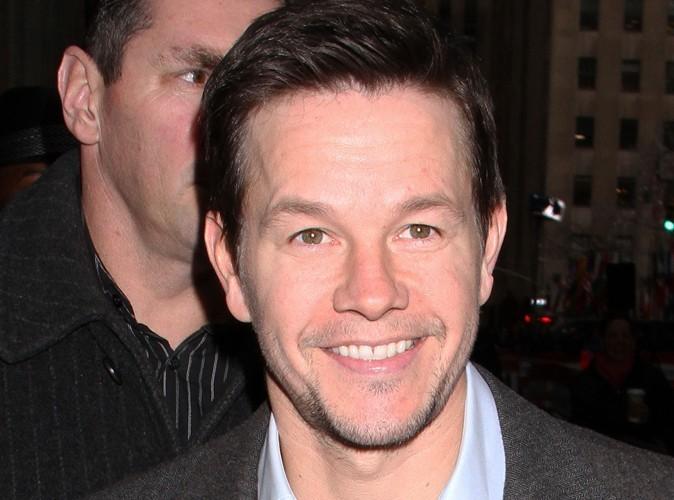 Mark Wahlberg : quand il se fait effacer des tatouages il emmène ses enfants...