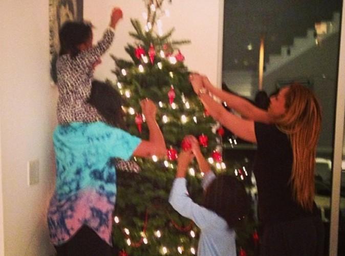 Mel B : atelier déco de sapin de Noël entre filles pour l'ex Spice Girl !