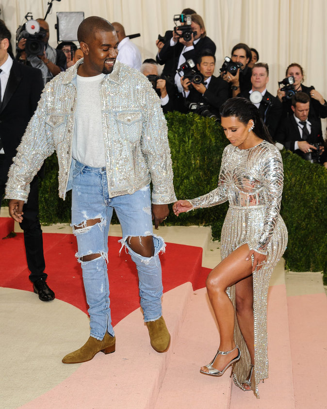 Met Gala 2016 : Kim Kardashian et Kanye West au Metropolitan Museum of Art à New York