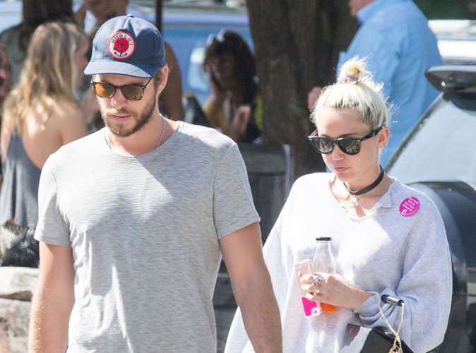 Miley Cyrus affiche son amour pour Liam Hemsworth au grand jour !