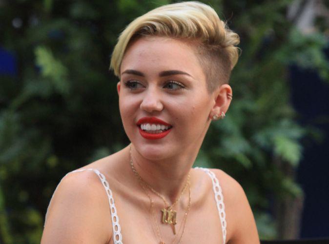 Miley Cyrus : elle compte sur la thérapie de couple pour sauver sa relation avec Liam Hemsworth !