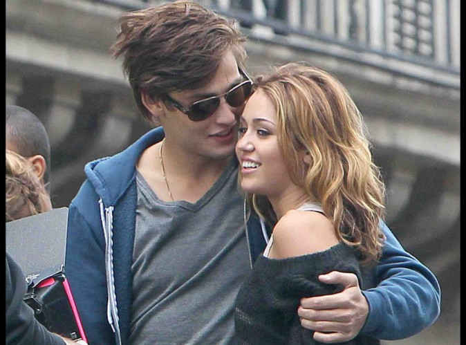 Miley Cyrus : elle se rapproche dangereusement de celui qui a �t� son premier amour dans