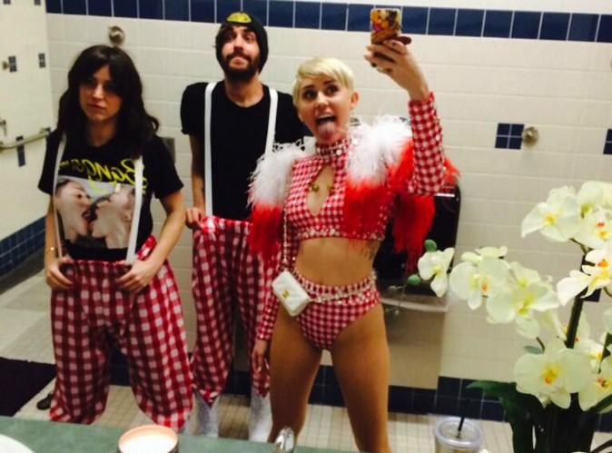 "Miley Cyrus : ""Les attaques me blessent"" !"