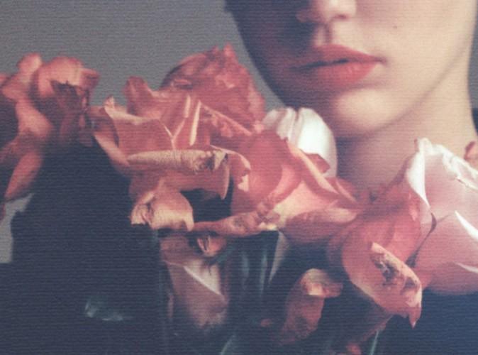 """Miley Cyrus : sage et romantique sur la pochette de son nouveau single """"Adore You""""..."""