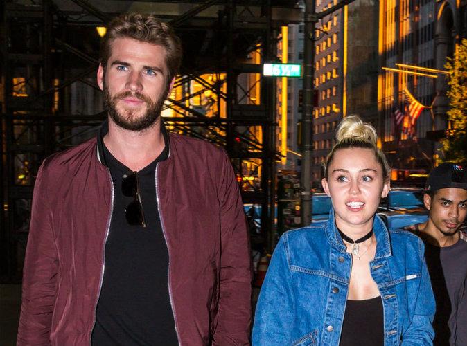 Miley Cyrus se fait tatouer en hommage à Liam Hemsworth !