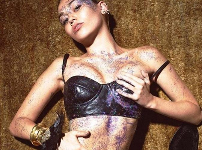 Miley Cyrus veut chanter nue devant un public nu !