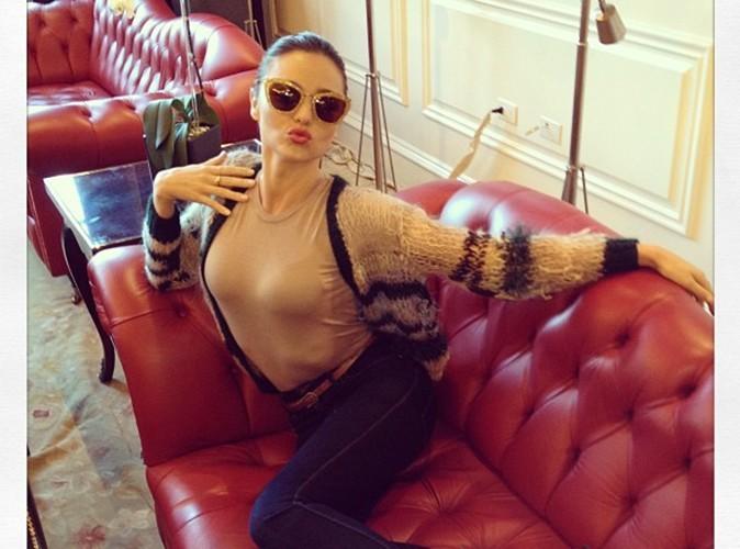Miranda Kerr : elle nous envoie un doux baiser, en direct de son dernier photoshoot !