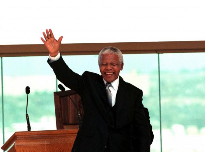 Mort de Nelson Mandela : François Hollande, Jacob Zuma, Barack Obama... tous émus par le décès de Madiba...