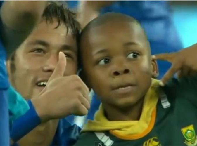 Neymar : un joueur de foot au grand coeur !