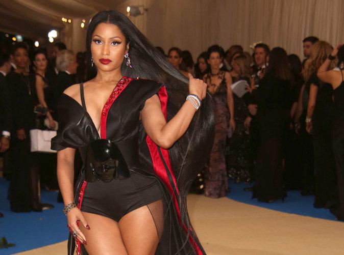 Nicki Minaj : Elle se réconforte dans les bras d'une légende du rap !
