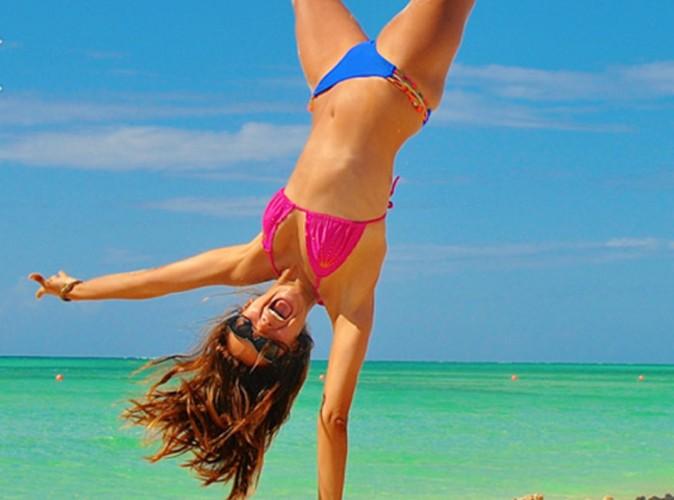Nina Dobrev : en bikini sexy, elle fait tourner les têtes !
