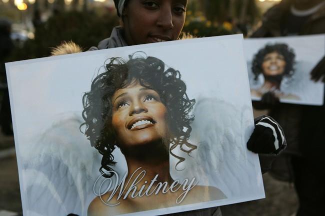 De nombreux fans ont tenu à rendre un dernier hommage à Whitney Houston...