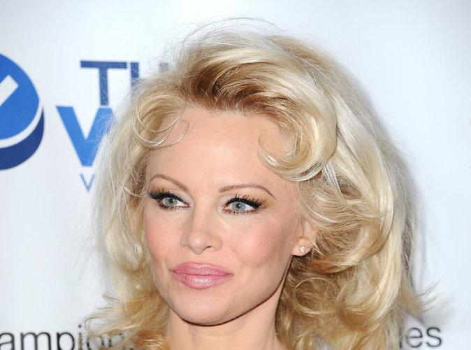 """Pamela Anderson : """" Le porno, c'est pour les loosers """" !"""