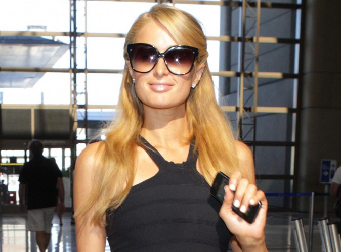 """Paris Hilton : de nouveau victime d'un groupe de voleuses façon """"Bling Ring""""... Ou presque !"""