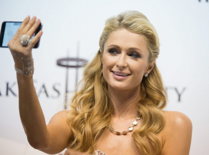 Paris Hilton : Un pompier a retrouvé sa bague perdue d'une valeur de 350 000$ !