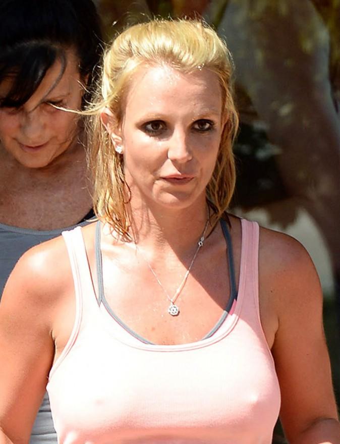 Photos : Britney Spears : tétons apparents et toute trempée, elle met le paquet pour retrouver une silhouette parfaite !