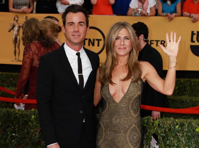 Photos : Jennifer Aniston et Justin Theroux : à peine mariés, ils attaquent leur lune de miel au paradis !