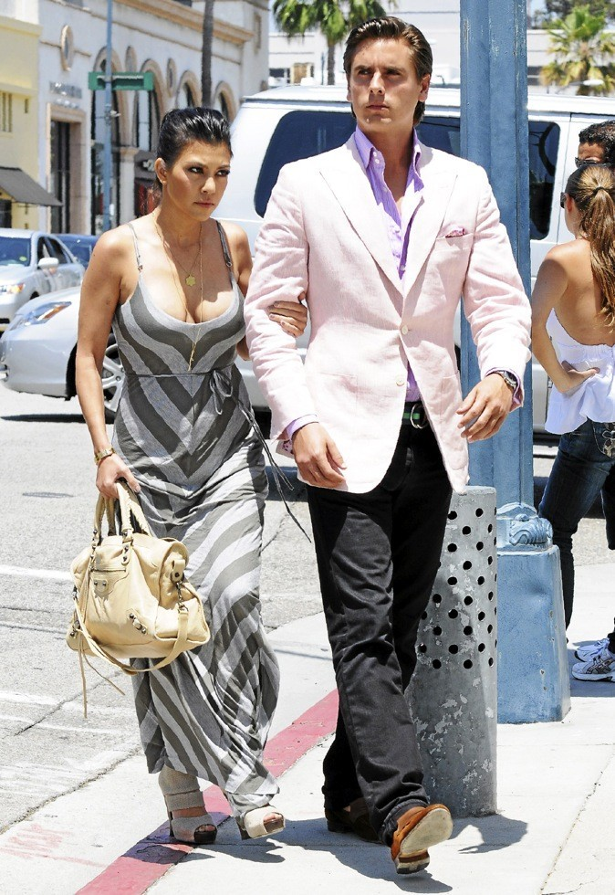 >> Kourtney Kardashian et Scott Disik = 5 ans de différence !