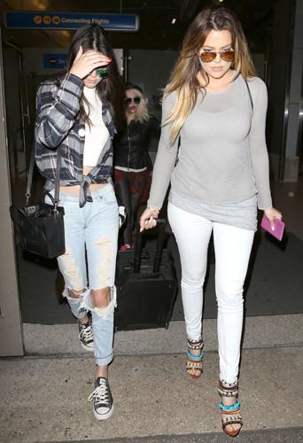 Khloé Kardashian et ses soeurs Kendall et Kylie à Los Angeles le 2 avril 2014