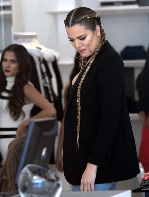 "Photos : la bootylicious Khloe Kardashian espère devenir ""une mère fun"" !"