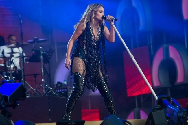 Jennifer Lopez a suscité la polémique en se produisant pour l'anniversaire du Président turkmène