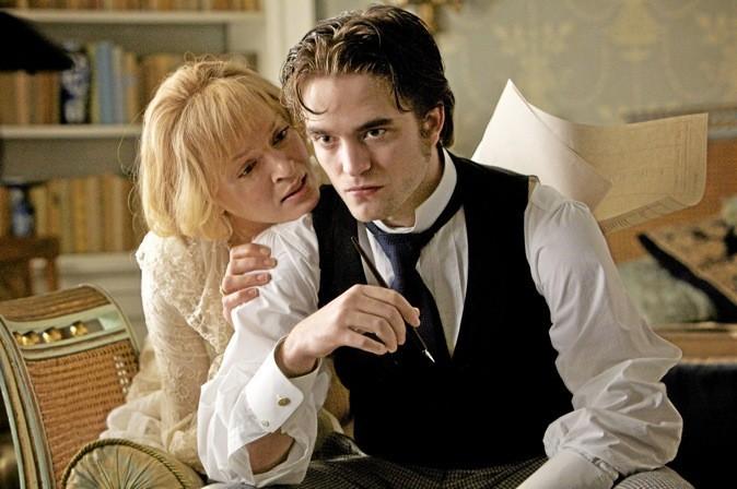 "Les images du film ""Bel ami"" avec Robert Pattinson, Uma Thurman et Christina Ricci !"