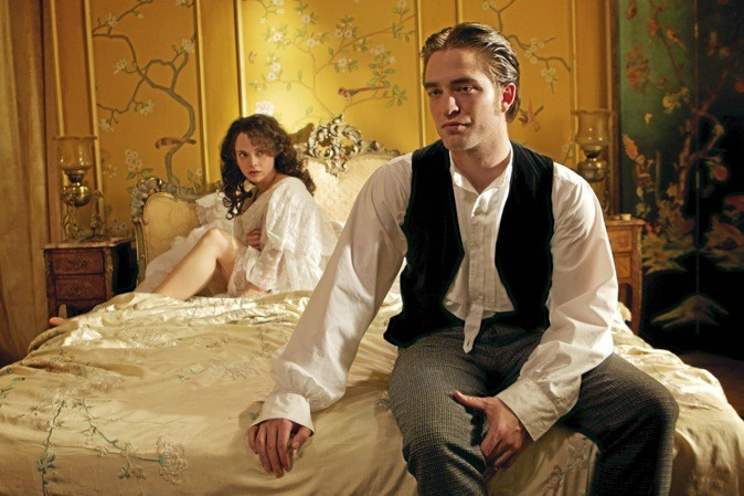 "Les photos du film ""Bel ami"" avec Robert Pattinson, Uma Thurman et Christina Ricci !"