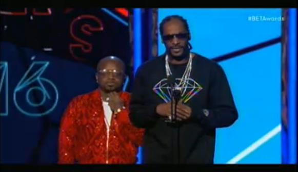 Snoop Dogg, invité à remettre le prix du meilleur espoir masculin