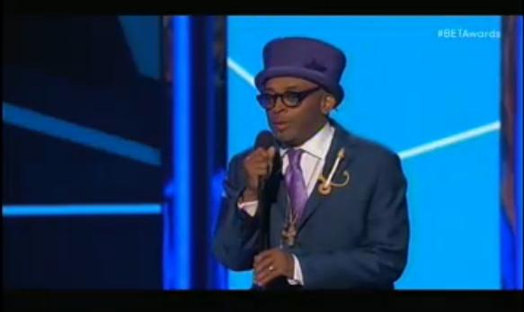 Spike Lee, ultra stylé, peu avant la remise du prix d'honneur à Samuel Jackson