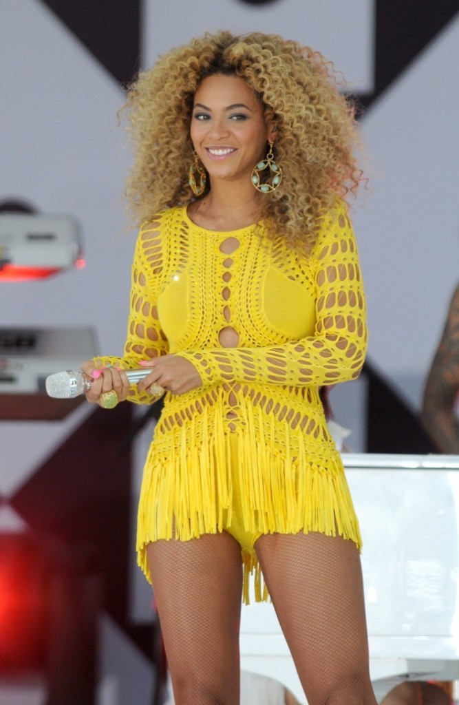 En color block : Beyoncé ou Rita ?