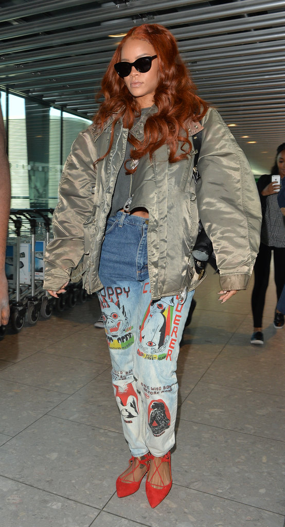 Rihanna et sa veste Bombers kaki