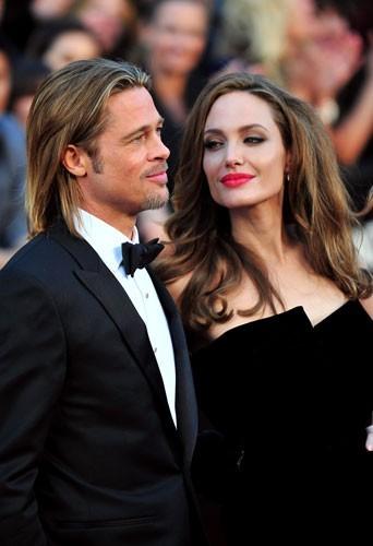 2012 : Brad Pitt et Angelina Jolie lors de la 84 ème cérémonie des Oscars à Hollywood