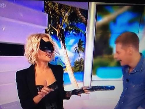 Caroline Receveur : plus à l'aise pour son deuxième essai dans Le Mag, elle débarque en Catwoman !