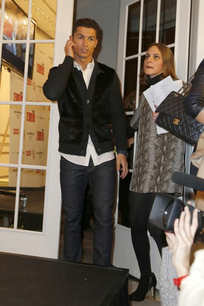 Cristiano Ronaldo : bien entouré de sa mère et de son fils à Madrid !