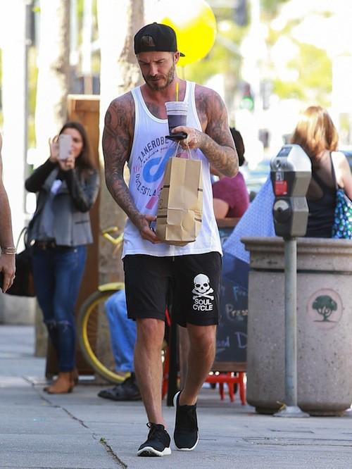 David Beckham : moins barbu mais de plus en plus baraqué !