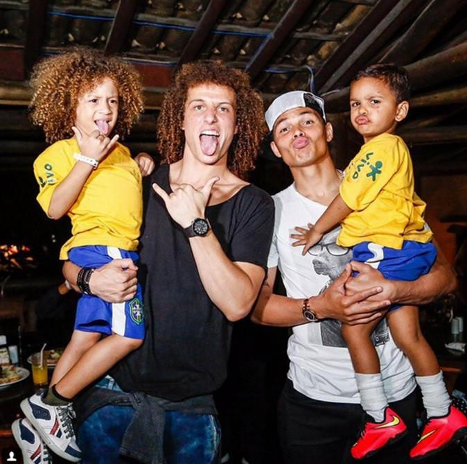 David Luiz et Thiago Silva avec leurs mini-sosies
