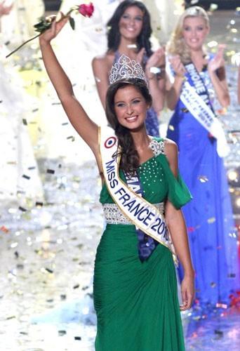 Malika Ménard, Miss France 2010 élue le 5 décembre 2009