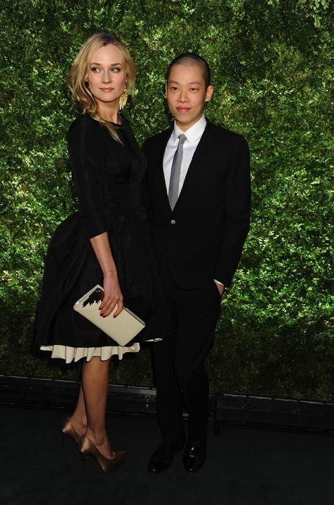 Avec le créateur Jason Wu, qui a désigné sa robe...