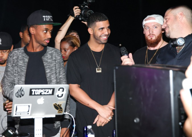 Drake : pas de Karrueche à l'horizon, mais quand même en très bonne compagnie...