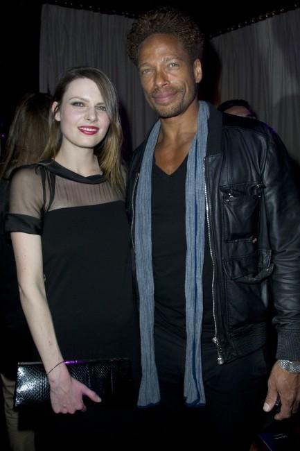 Elodie Frégé et Gary Dourdan lors de la soirée de lancement de la marque de lingerie Divamour à Paris, le 18 avril 2013.