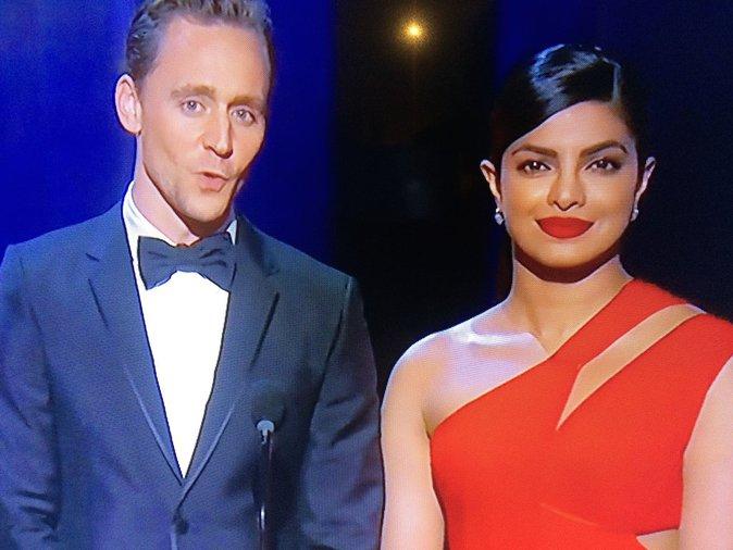 Tom Huddleston avait prévu de s'afficher avec Taylor Swift à cette cérémonie mais ....