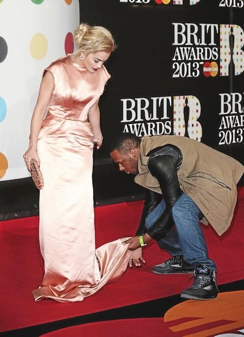 Rita Ora : on lui déroule le tapis rouge