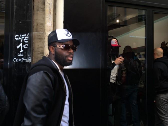 Maître Gims lors de l'inauguration de sa première boutique Vortex à Paris, le 16 avril 2014.