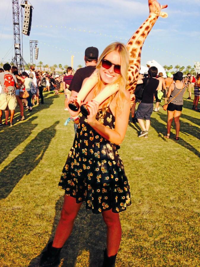 La girafe, accessoire de mode indispensable. Coachella JOUR 2