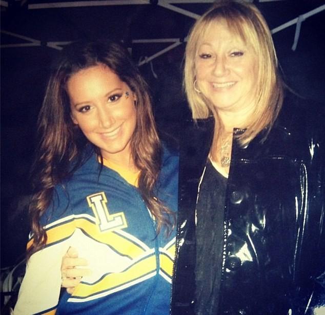 Ashley Tisdale et sa mère